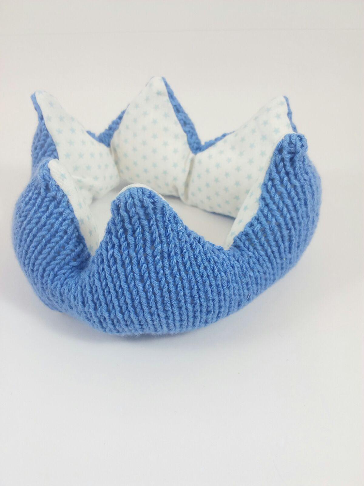 Patrón corona a dos agujas y a crochet – Maialen Kiros